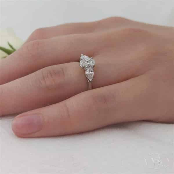 oval cut 18ct yellow gold shank and platinum head three stone plain band engagement ring